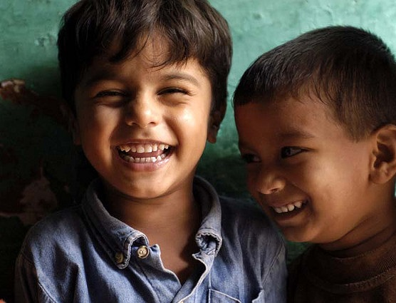 """Children Reading Pratham Books and Akshara"" por Ryan Lobo / CC BY 2.0"